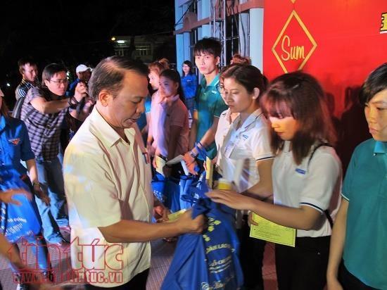 Tết bonuses in HCM City rise by 10 per cent