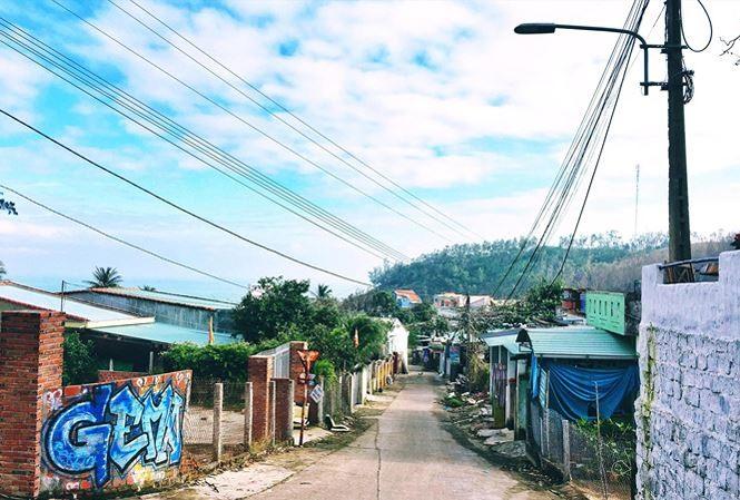 Bãi Xép a village full of heroes
