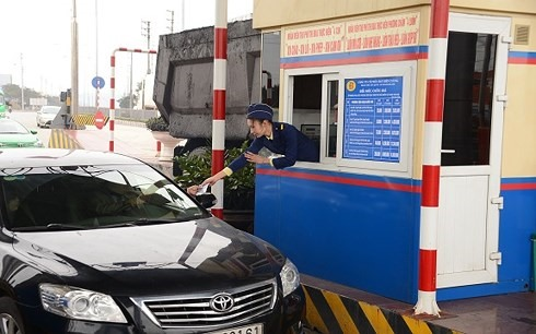 Cars exempt from National Highway 18 toll during Tết