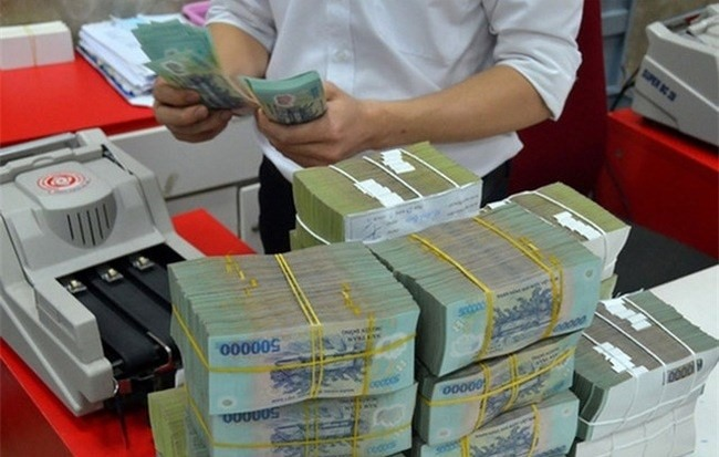 Central bank injects US792 million to support market