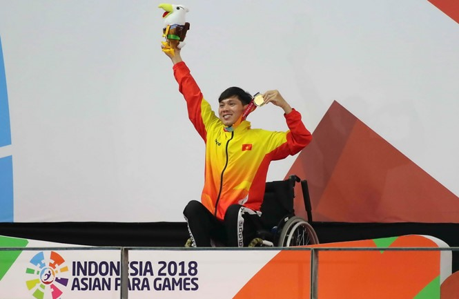 Tùng breaks record at Asian Para Games