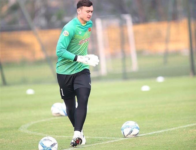 Lâm is best goalkeeper of V-League 2018