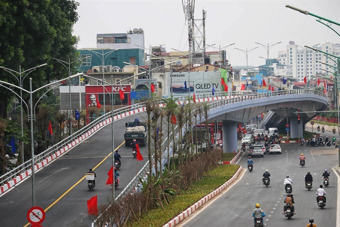 An Dương-Thanh Niên overpass opens to traffic