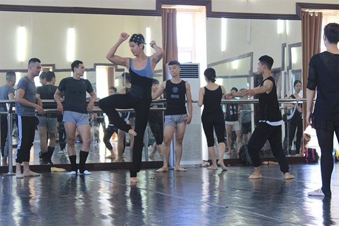 New dance shows come to Ha Noi