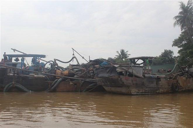 Biên Hòa City Police discover illegal sand exploiters