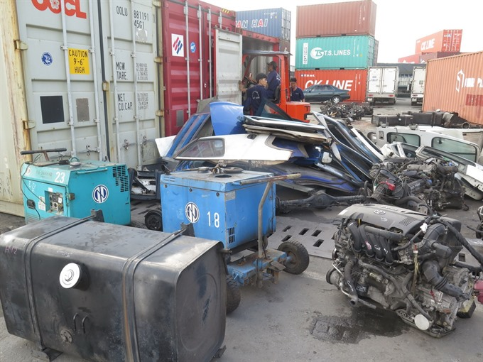 Environment ministry announces measures to deal with scrap containers held up at ports