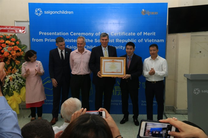 Saigon Children awarded certificate from PM