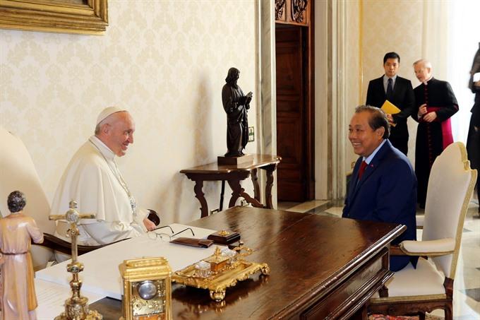 Deputy PM Trương Hòa Bình meets Vatican leaders
