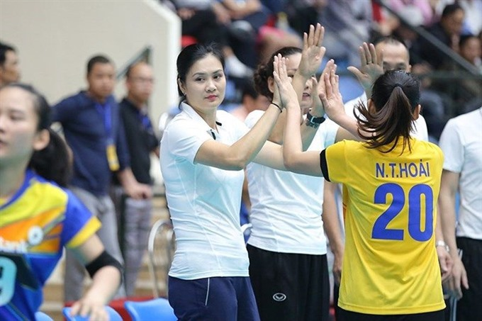 Huệ returns to play at volleyball tournament