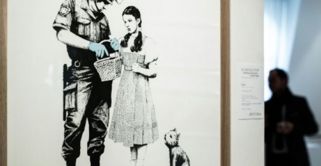 No Paris self-destruct as Banksy prices stay anchored