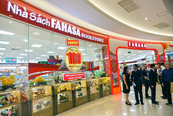 Việt Nams biggest bookstore chains to debut shares on UPCoM
