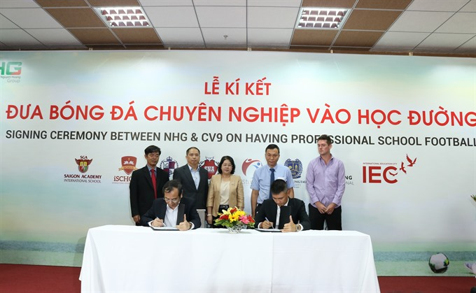 Nguyễn Hoàng Group collaborates with CV9 Academy to train students in football
