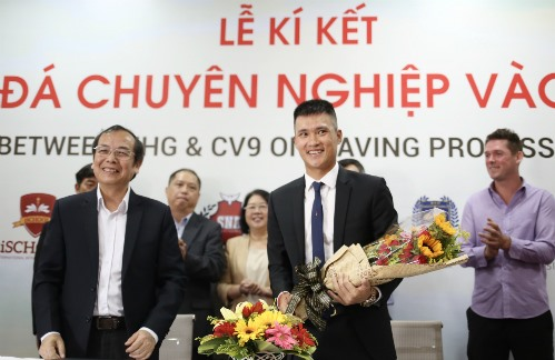 Vinh to bring professional football for students