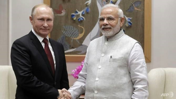 Putin talks arms nuclear deals in India