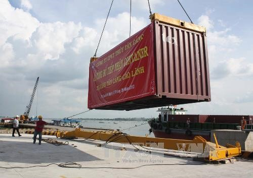 Mekong Delta ports need better linkages to increase efficiency
