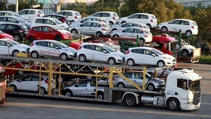 Customs agency reports more auto imports
