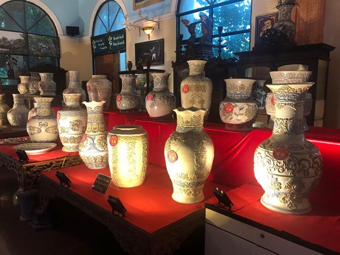 Monks ceramic vase collection recognised as Vietnamese Records