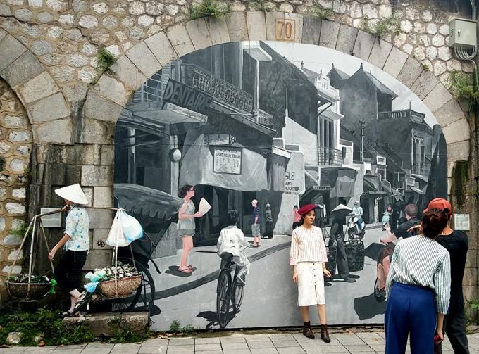 Rampant wall painting threatens street art: artists