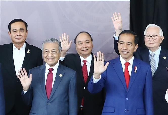 APEC should uphold role in regional global connectivity: PM