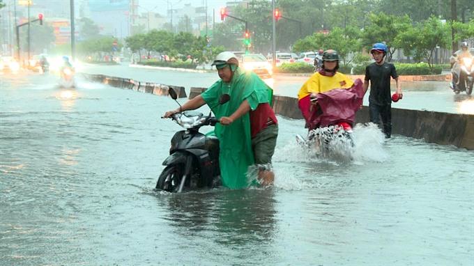 HCM City deluged as Storm No. 9 dumps record rain