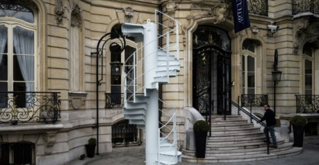 Stairs from Eiffel Tower sell for 169000 euros