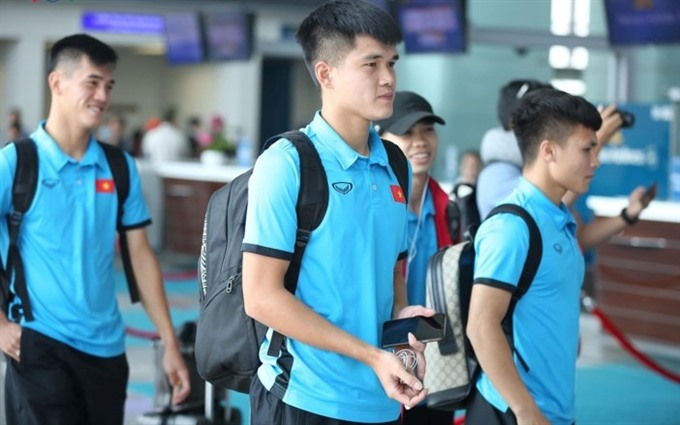 Việt Nam team directly fly to Philippines for AFF Cup