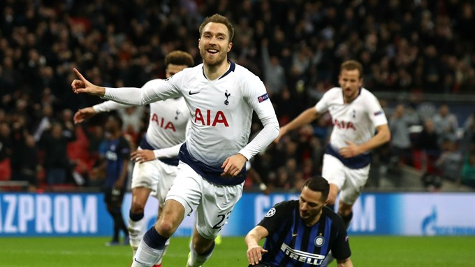 Eriksens late show keeps Spurs in hunt for last 16 berth