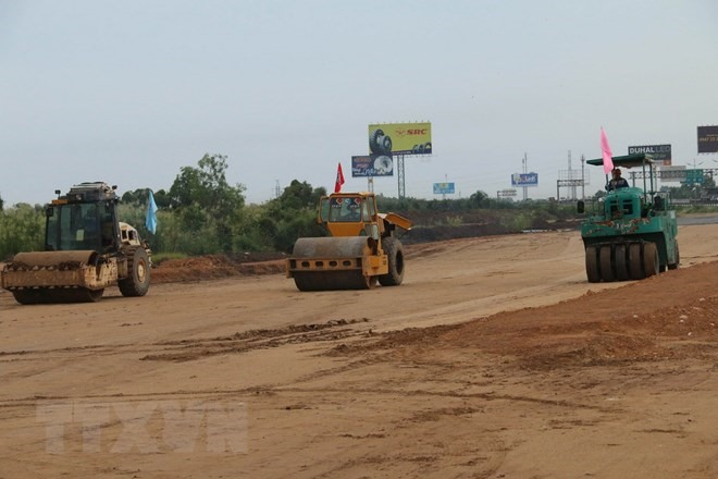 MoT seeks US40 million for Mỹ Thuận-Cần Thơ expressway projects site clearance