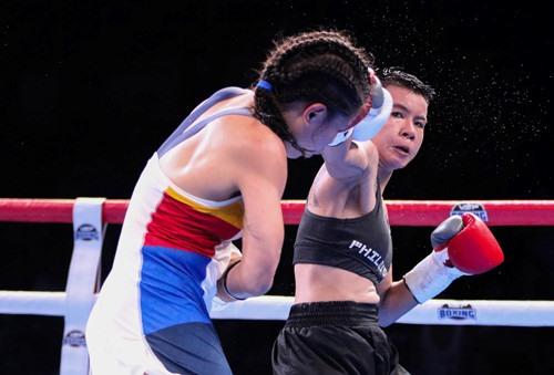 Nhi defeats Filipino boxer in HCMC tournament