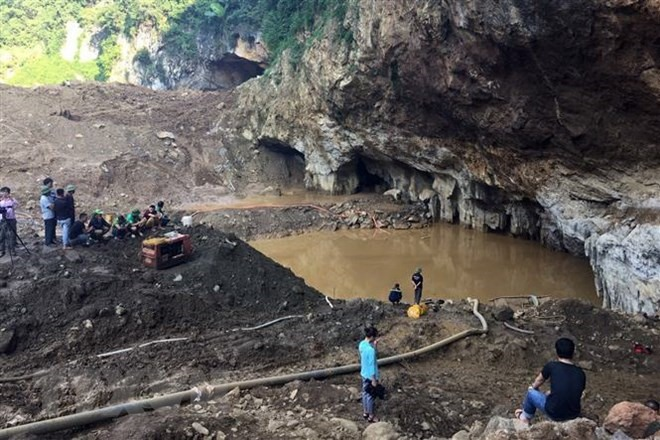 Two missing in gold mine collapse