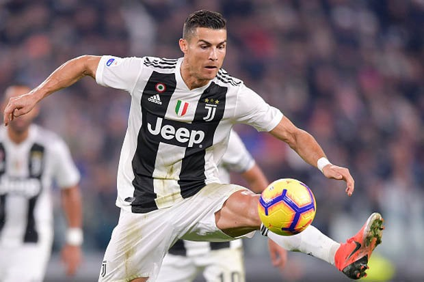 Ronaldo scores but Man United stun Juve with two late goals