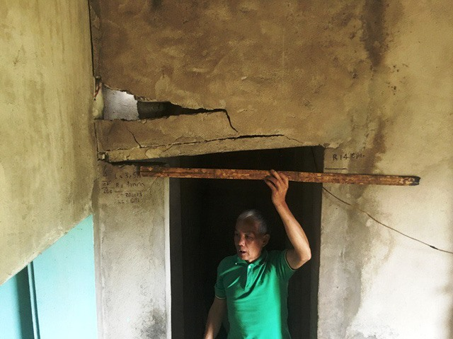 Rock blasts damage houses in Thanh Hóa