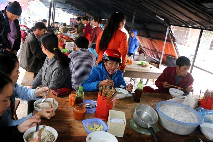 Phở vịt quay comes down to Hà Nội