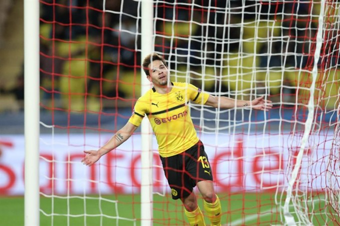 Dortmund top Champions League group after win at Monaco