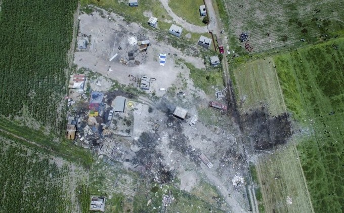Eight dead in fireworks blast at Mexico church