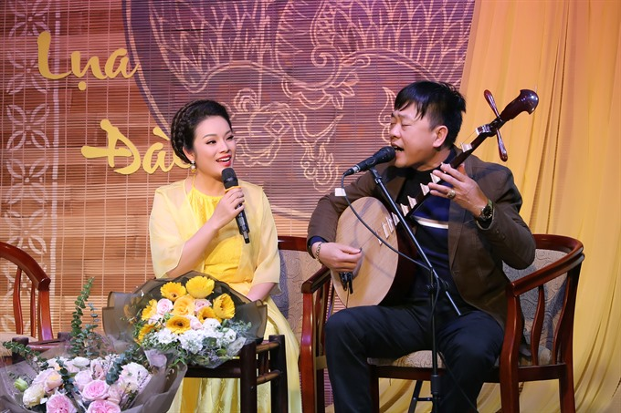Singer Tân Nhàn releases free album to promote traditional music