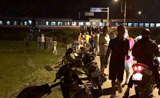 Train-car collision kills one and injures four