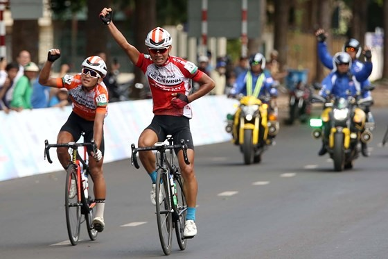 Việt wins eighth stage of NKKN Cyling Tour