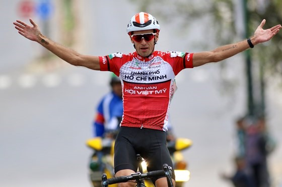 Perez wins tenth stage of NKKN cyling tour