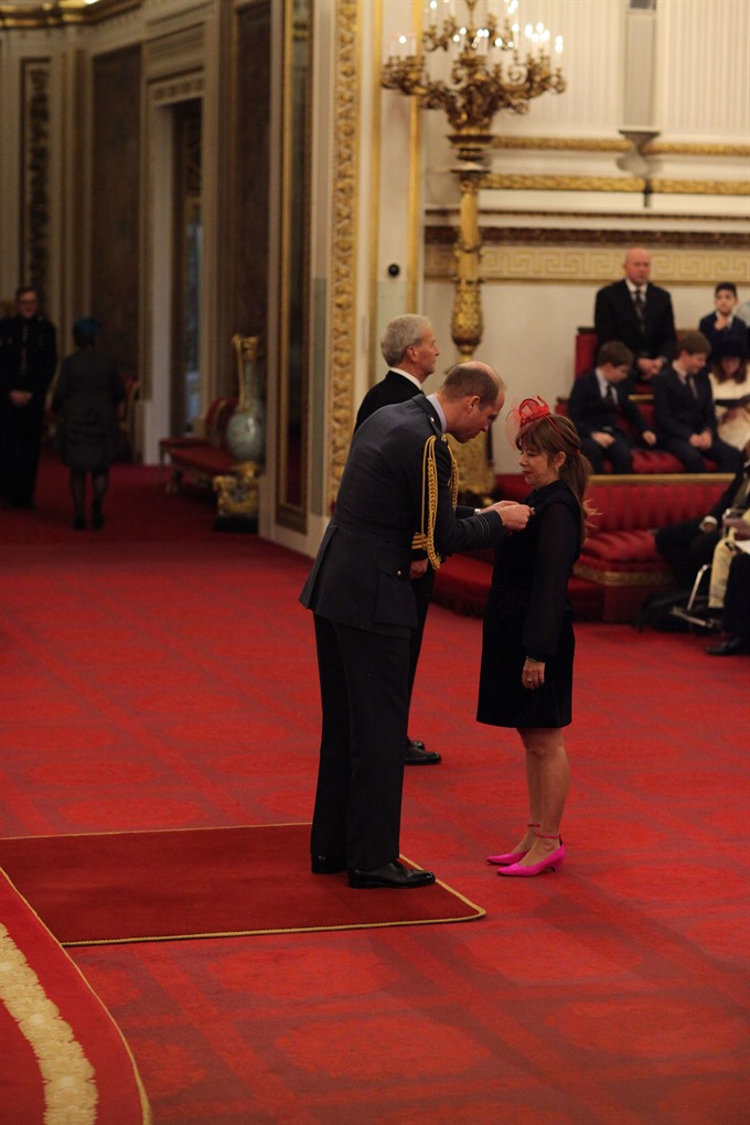 Royal award for Vietnamese charity worker