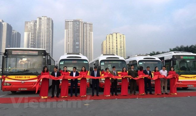 Hà Nội opens more bus routes to suburbs