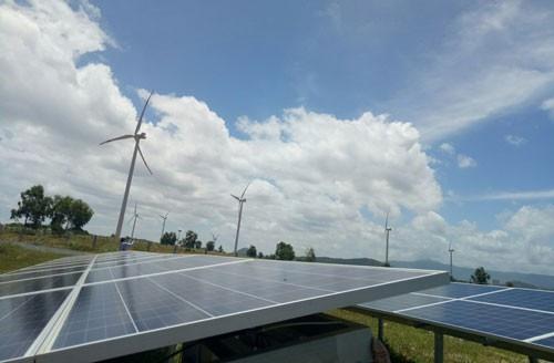 Solar plants face a consumption crisis