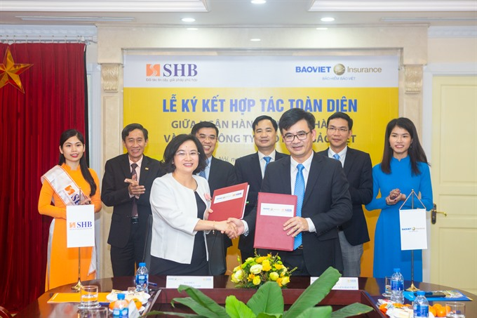 Bảo Việt Insurance Corporation and SHB sign co-operation agreement
