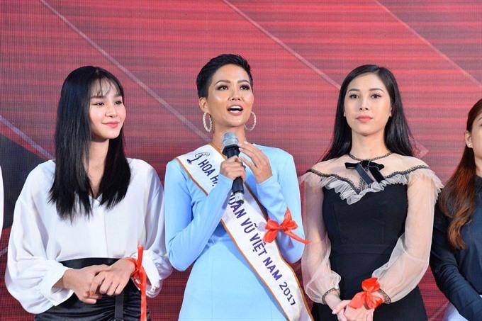 VN contestant raises HIV awareness