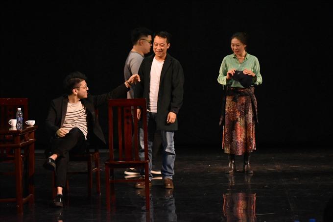 Japanese and Vietnamese perform Uncle Vanya