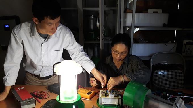 Mường woman brings light to her village