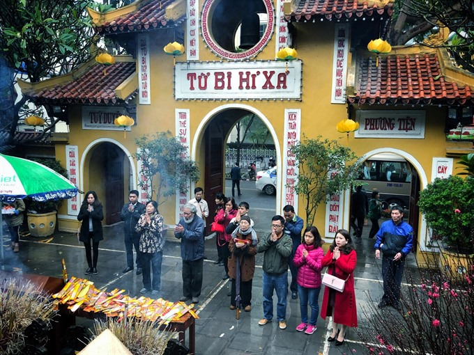 Peaceful New Year morning for Hà Nội