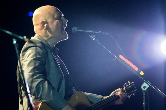 Smashing Pumpkins reunite minus one to revisit 90s hits