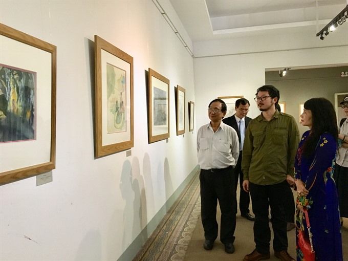 Chinese artist exhibits landscape paintings at HCM City museum