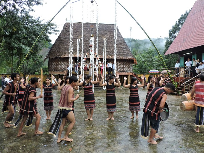 Cơ Tu community revives centuries-old culture